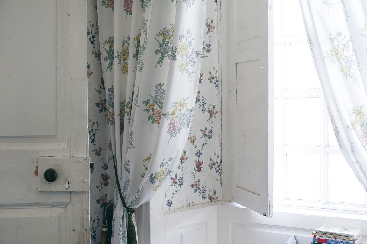WINDOW CURTAINS WHITE2